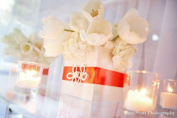 white-orange-modern-retro-wedding-centerpieces