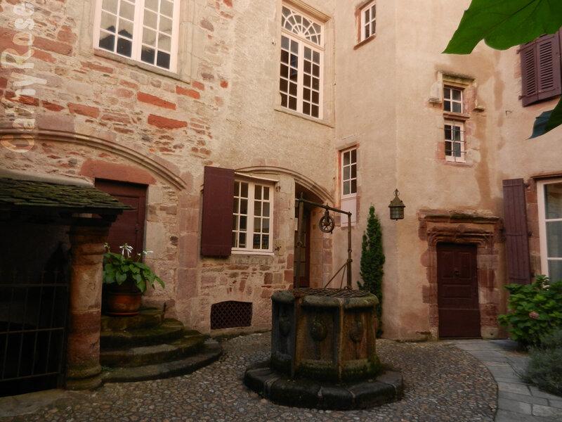 && maison du Chapître (2)