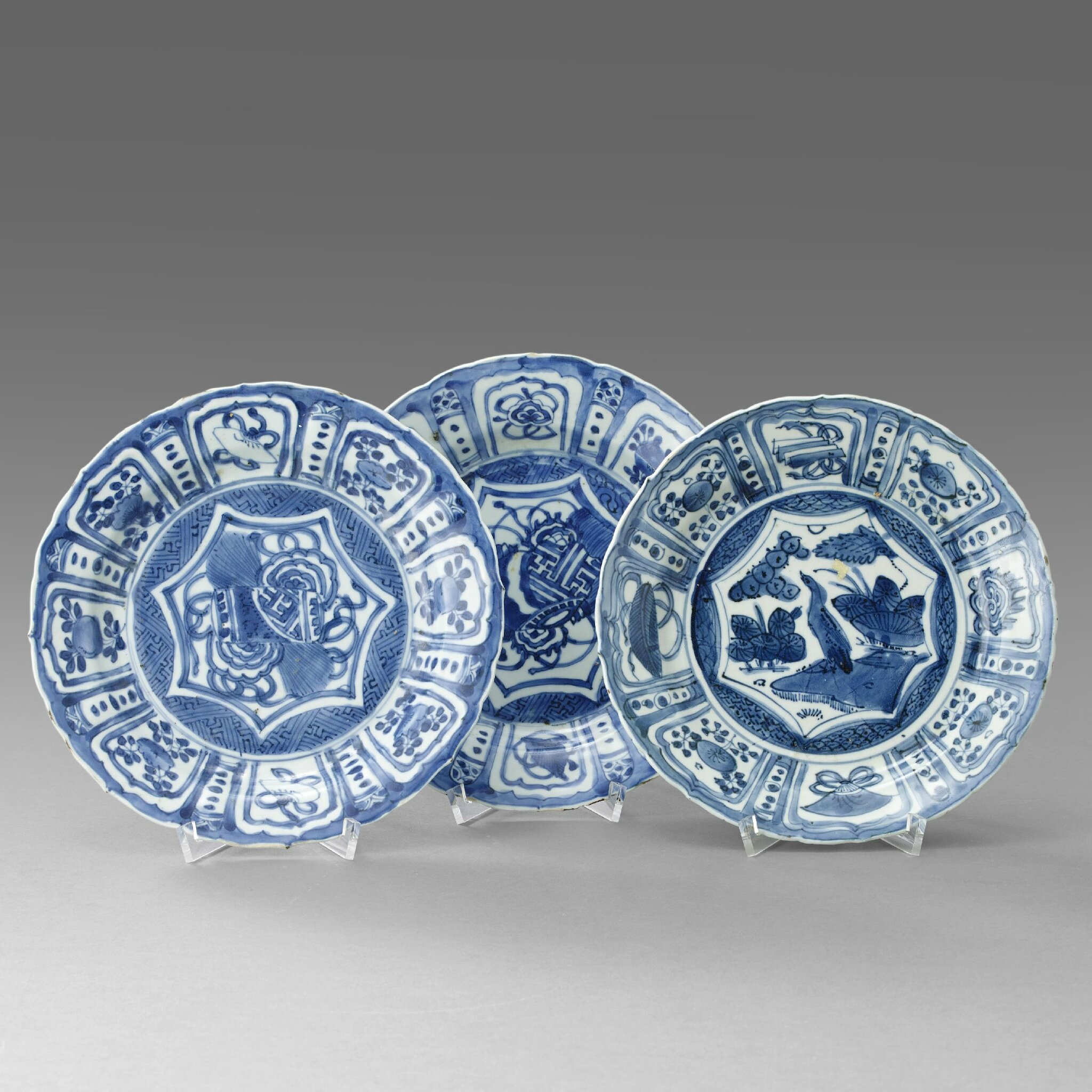 A Group of Three 'Kraak' Dishes, Wanli period (1573-1619). Photo Stockholms Auktionsverk