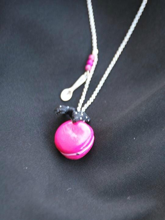collier macaron rose pour Séverine