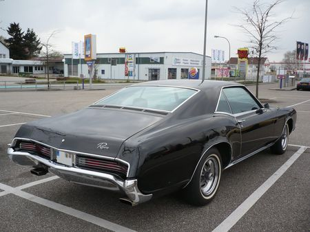 BUICK_Riviera_hardtop_coup__1967_Offenbourg__2_