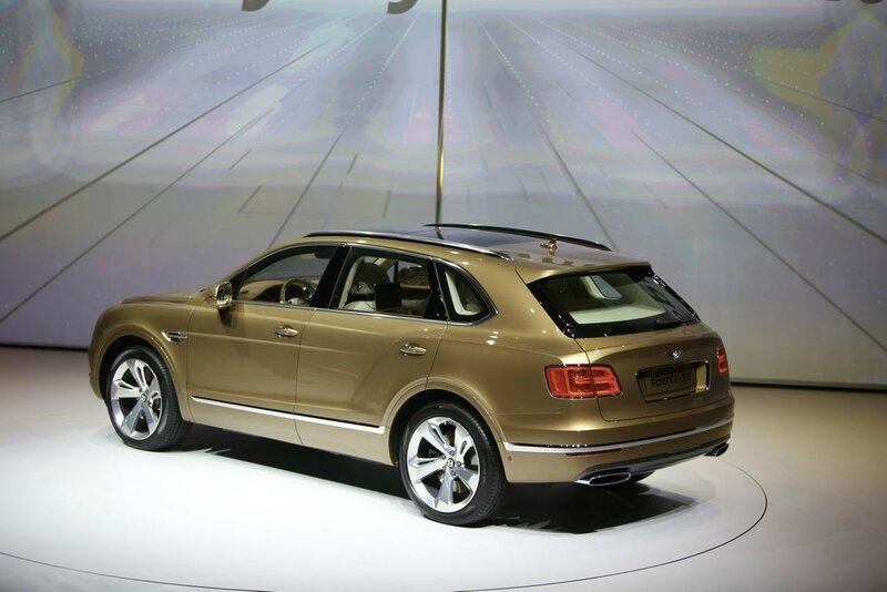 bentley-bentayga-francfort-2015-02