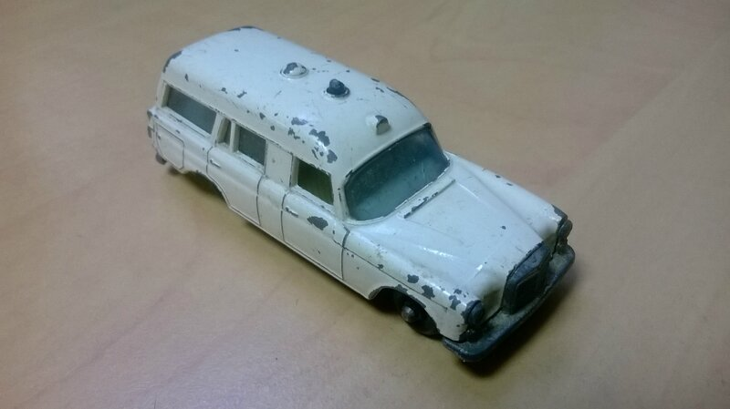 3c_Mercedes Binz Ambulance_02