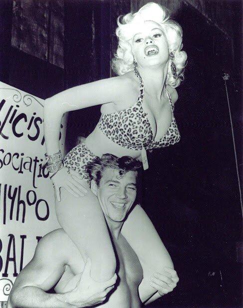 jayne_bikini_leopard-1956-10-with_mickey-in_leopard-2-2