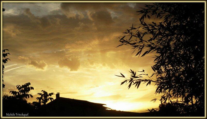 Lever soleil 31081512