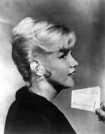 1959-12-lets_make_love-test_hairdress-040-2