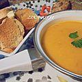Ma soupe de poissons - croûtons et sauce aurore