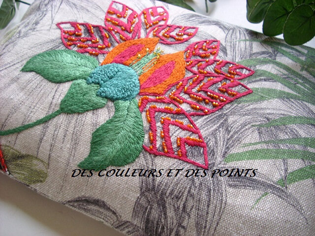 POCHETTE TROPICALE DETAIL BRODERIE