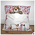 IMG_5908-owly-mary-du-pole-nord-coussin-pticoussin-colore-multicolore-jeu-enfant-ballon-lapin-fete-joyeux-merveilleux-blanc-ecru-cadeau-naissance-anniversaire-fait-main