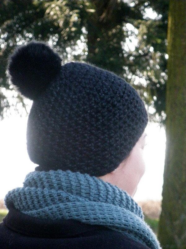 Bonnet noir porté (5)
