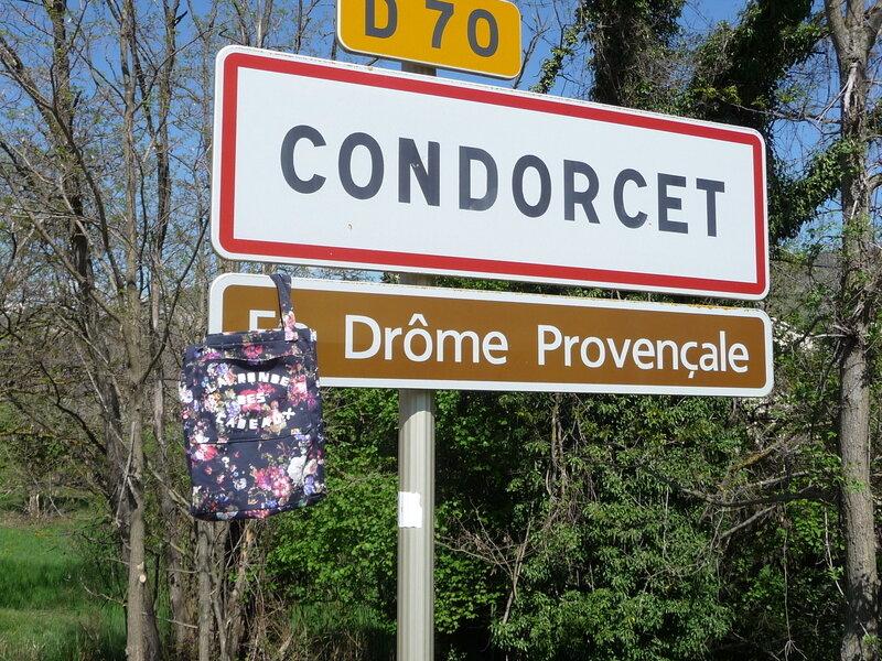 La_Ronde_des_Cadeaux_panneau_Cathy26