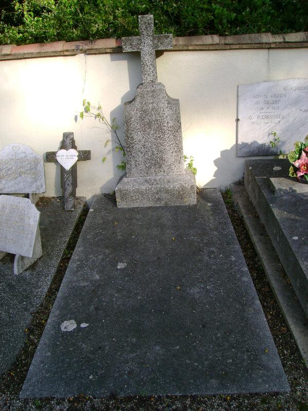 47 - Tombe de la famille Gueirard