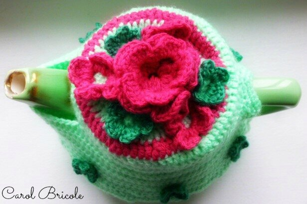 Tea cosy pink flowers 3