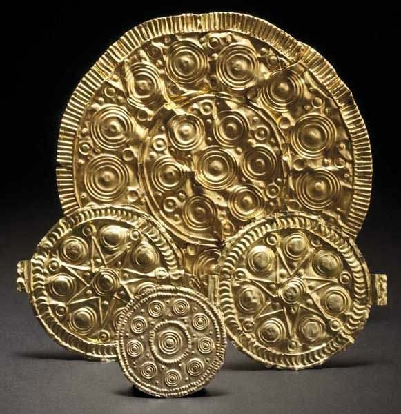 Four embellished discs of sheet gold, Middle Bronze Age, 15th - 14th century B