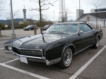 BUICK_Riviera_hardtop_coup__1967_Offenbourg__1_