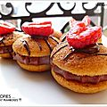Whoopies...the first en habit rouge et noir !