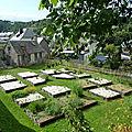 jardin sous les remparts à Besse