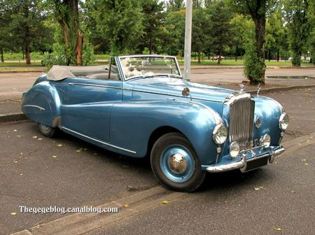 Bentley mark VI Abbott Drophead coupe de 1946 (Retrorencard aout 2011)