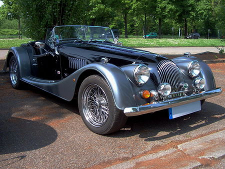 MORGAN Plus 8 Roadster au Retrorencard 1