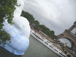 Iceberg_et_Tour_Eiffel