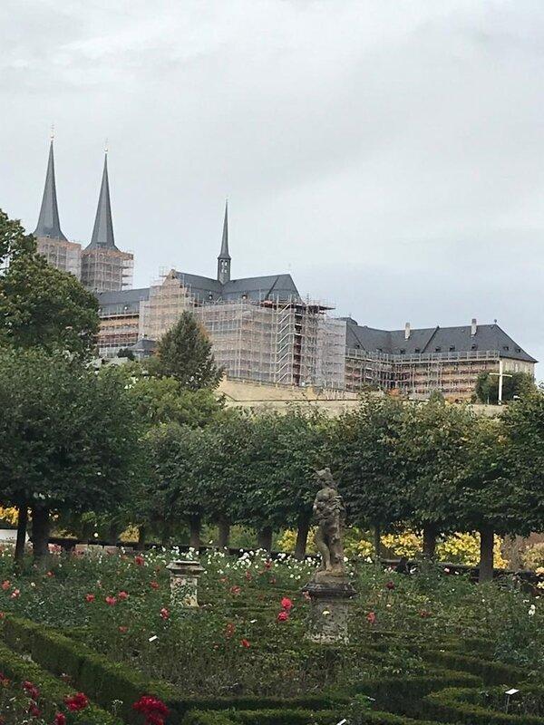la roseraie de la nouvelle résidence de l'évêque