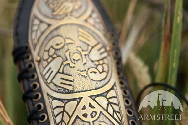 archer-bracer-etched-armor-lightweight-1