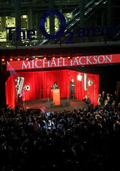 Michael+Jackson+Announces+Plans+Summer+Residency+SVJ6Xh6Q3BCl