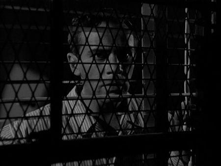 Behind_Locked_Doors_Kino_02945