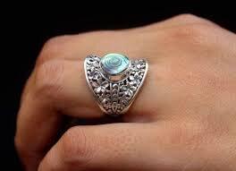 Puissant anneau Mystique pour devenir riche et puissant.