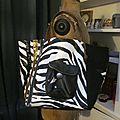 Sac FELICIE n°36 en simili cuir imprimé zèbre et lin noir (3)