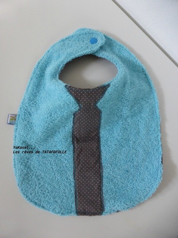 Bavoir cravate pois YKS