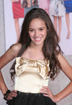 Madison_Pettis_pic_you_again_premiere