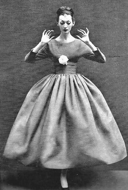Dovima in Balenciaga, photo by Richard Avedon, Harper's Bazaar, Oct. 1955
