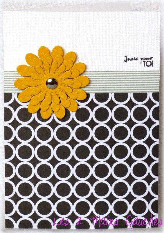 carte avec grosse fleur jaune