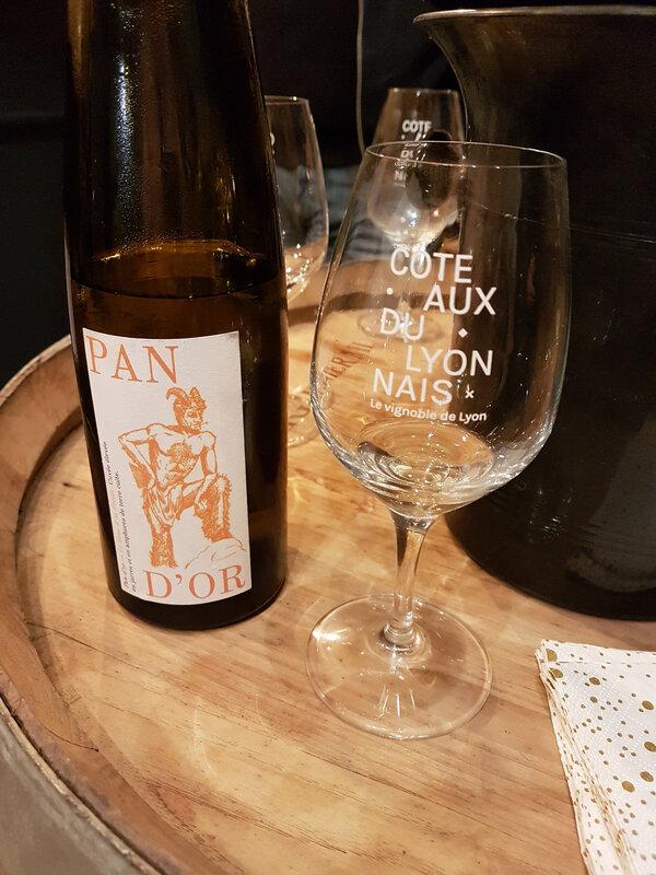 chez cathytutu inauguration nouveau caveau de degustation du vin le bouc et la treille poleymieux au mont dor (40)
