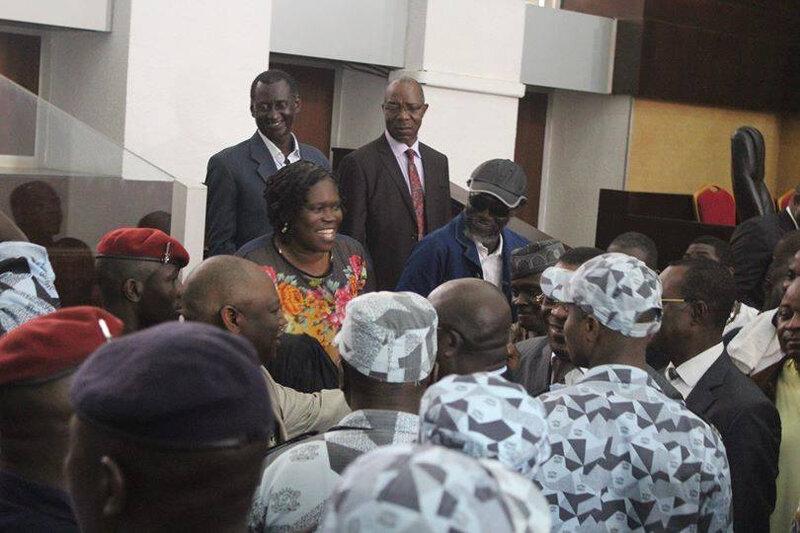 Arrivée-saluée-par-la-foule-de-Simone-Gbagbo-au-tribunal-ce-vendredi-26-décembre-2014-2