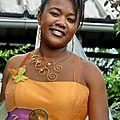 Robe bustier orange pour mariage en automne, bijoux d'automne