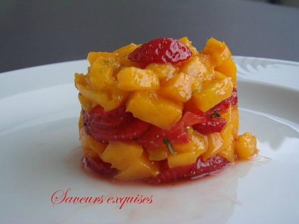 Tartare de fraises et mangue au basilic et citron vert