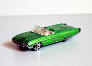 Ford T bird 1963 de chez Hotwheels (1996) 01
