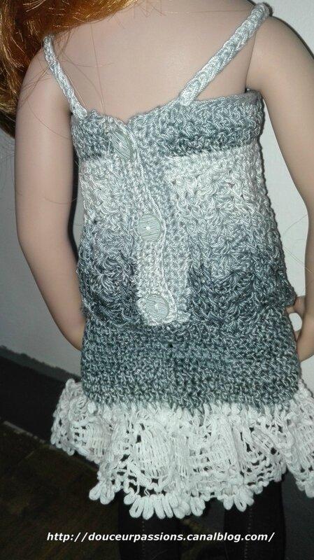 Gwendoline tenue grise