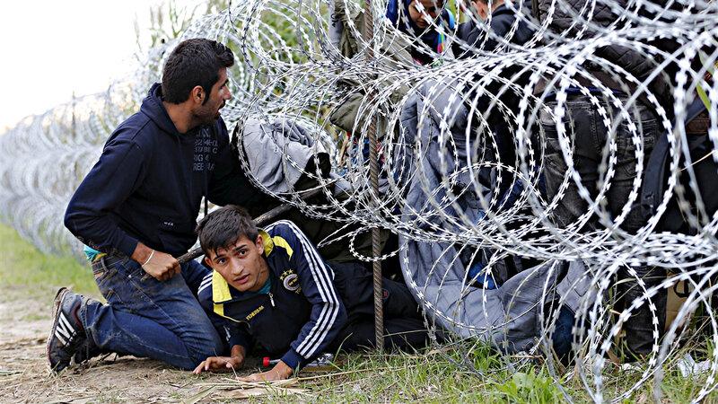 150826_hs5l1_migrants-hongrie-serbie_sn1250
