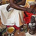 Grand maitre marabout, rituel d'initiation offrandes aux génies