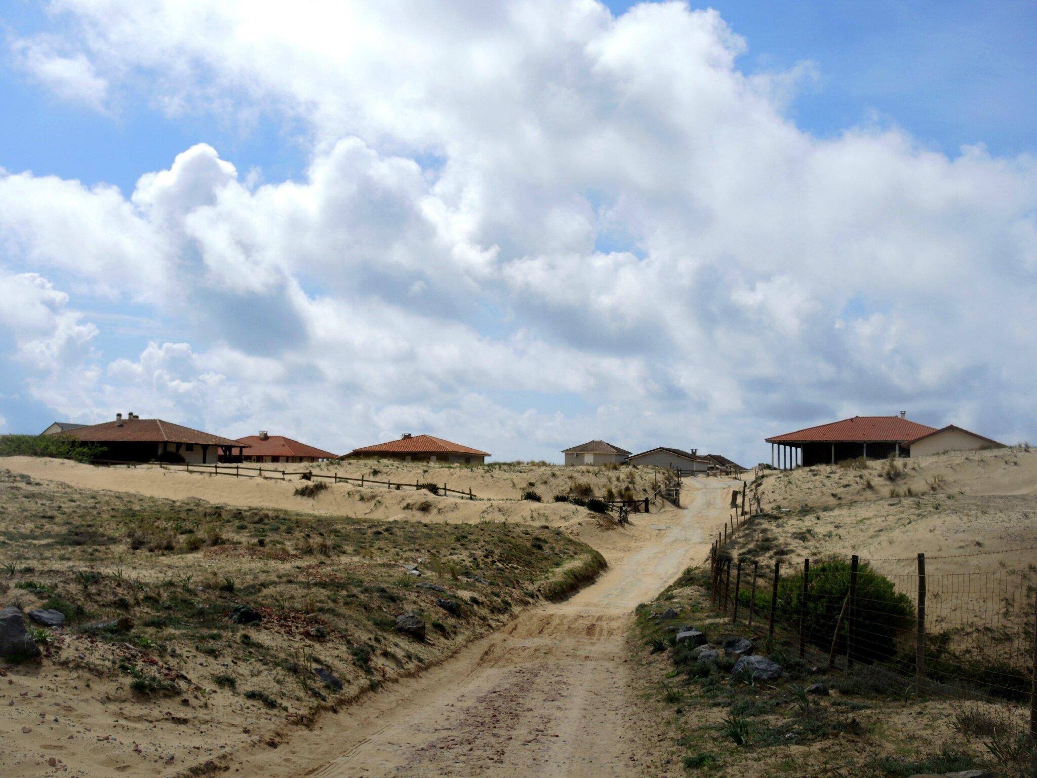 Huchet, le village en avril