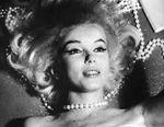1962_07_12_by_bert_stern_pearls_0021_1