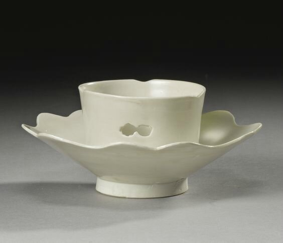 A rare 'Xing' lotus-form cup stand