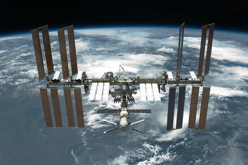 STS-134_International_Space_Station_