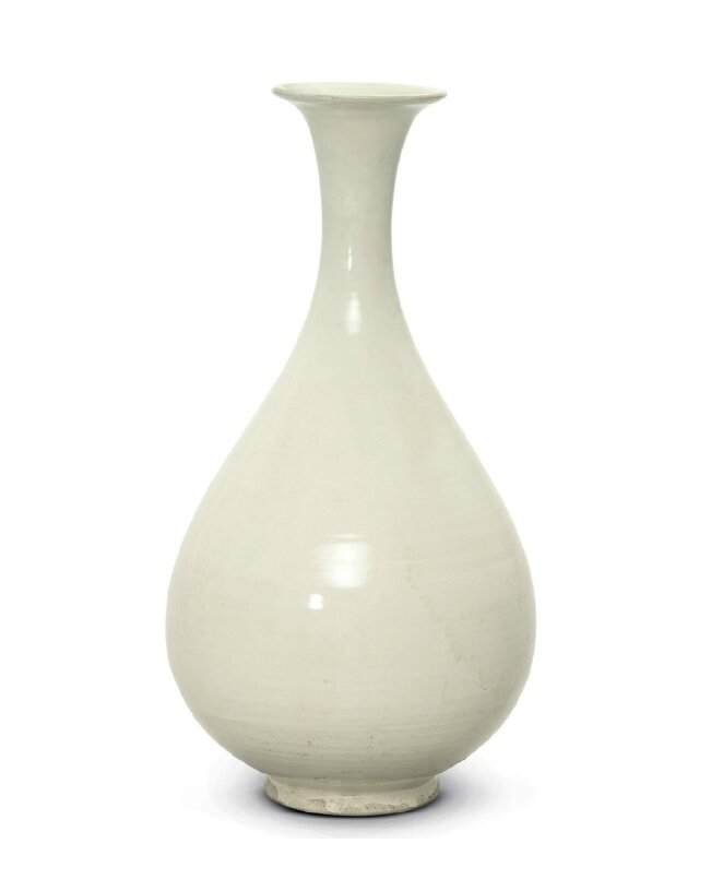 A white-glazed ding-type yuhuchun vase, Northern Song-Jin dynasty, 12th century
