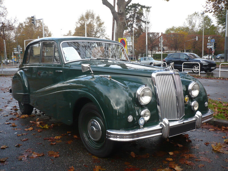 ARMSTRONG SIDDELEY Sapphire 346 Six-Light Strasbourg (1)