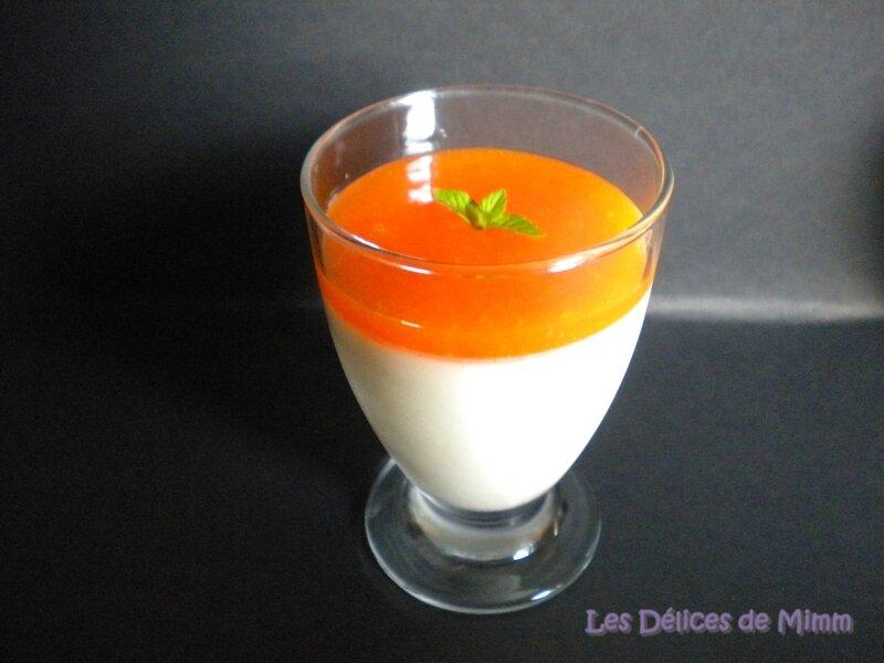 Panna cotta vanillée et son coulis d'abricots 2