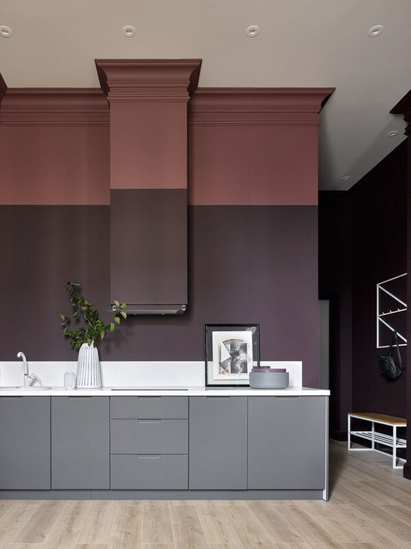 small-apartment-in-beautiful-dark-tones-in-moscow-pufikhomes-4